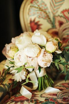 Sweet & Rustic Provencal Wedding, bride wore Rosa Clara gown with a gorgeous pair of Jimmy Choo's. Beautifully captured by Viktoria Samoilova Photography Brides And Bridesmaids, Bridesmaid Bouquet, Wedding Bouquets, Wedding Flowers, Wedding Flower Inspiration, Wedding Ideas, Bouquet Images, French Wedding Style, Provence Wedding