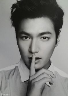 nice Lee Min Ho looks chic in black and white for Filipino clothing brand 'Bench' Boys Over Flowers, Asian Actors, Korean Actors, Korean Dramas, Minho, Lee Min Ho 2014, Live Action, Lee Min Ho Photos, Man Lee
