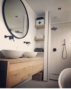 Family Bathroom, Laundry In Bathroom, Bathroom Design Small, Bathroom Design Inspiration, Bathroom Interior Design, Bathroom Goals, Ideal Bathrooms, Apartment Design, House Design