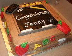Teacher's Graduation Cake - 12 inch 2 layer chocolate cake with peanut butter icing and decorators buttercream designs on cake Graduation Cake Designs, College Graduation Cakes, Graduation Party Foods, Graduation Cookies, Graduation Ideas, Teacher Cakes, Teacher Party, Student Teacher, Hawiian Party Food