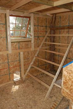 Roosting bars are where your chickens should perch to sleep at night inside their coop. Inside Chicken Coop, Chicken Shed, Easy Chicken Coop, Portable Chicken Coop, Backyard Chicken Coops, Chicken Coop Plans, Building A Chicken Coop, Chickens Backyard, Chicken Houses