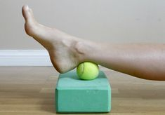 Acupressure Diy If you suffer from achy feet, try this soothing DIY foot massage and ankle stretch. - If you suffer from achy feet, try this soothing DIY foot massage and ankle stretch. Ankle Rehab Exercises, Ankle Strengthening Exercises, Foot Exercises, Physical Therapy Exercises, Ankle Stretches, Achilles Stretches, Sprained Ankle Exercises, Achilles Tendonitis Exercises, Ankle Pain