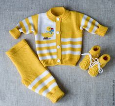 Baby Boy Knitting, Knitting For Kids, Baby Knitting Patterns, Knit Baby Sweaters, Bebe Baby, Baby Cardigan, Complete Outfits, Baby Wearing, Toddler Boys