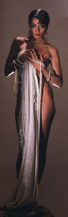 """Why I love #MsRoss. Because what the your starlets are doing now, Diana Ross did in the 60s and 70s and folks say the young stars are """"shocking"""" #stopthemadness"""