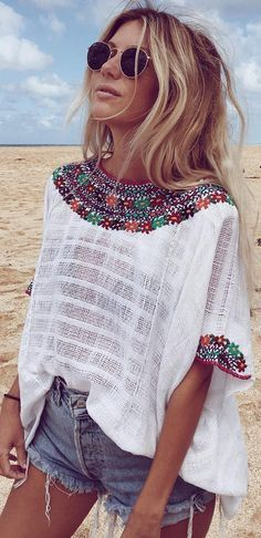Unique Blouse - In love with the neck line. Boho Style