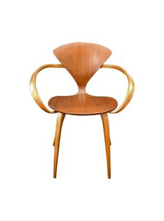 Cherner Chair, 1960-70. In walnut and beech.