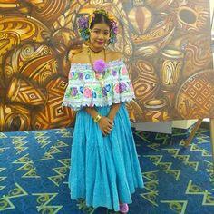 Hermosos colores tiene mi Panamá, puedes solicitar tus cabezas de tembleques Camila, con gusto te atenderemos... #Panamá #temblequescamila #amorporlapollera #orgullosamentepanameña #arte