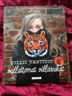 Lumi Karmitsa: Villit vanttuut & vallattomat villasukat (Mad Mittens & Sportive Socks) So Little Time, Villa, Socks, Knitting, Movies, Movie Posters, Crafts, Manualidades, Tricot