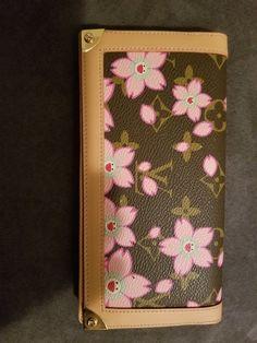 fa8ff92098 Louis Vuitton Cherry blossom wallet(NEVER USED) Louis Vuitton Cherry Blossom