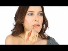 Chic & Simple 5 minute Make-up Tutorial - YouTube