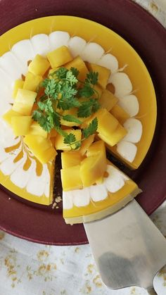 No-Bake Mango Cheesecake - So easy you'll find any excuse to whip up this tropical dessert party for your mouth. Mexican Food Recipes, Sweet Recipes, Dessert Recipes, Mango Cheesecake, Cheesecake Recipes, Tasty Videos, Food Videos, Tropical Desserts, Cooking Recipes