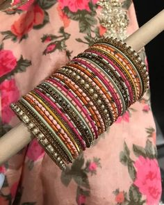 Wedding jewllery is not complete with bangles. Make a strong stylish statement with these Heavy Metal Bridal Bangle Designs! Antique Jewellery Designs, Fancy Jewellery, Stylish Jewelry, Diamond Jewellery, Simple Jewelry, Indian Jewelry Earrings, Jewelry Design Earrings, Indian Bangles, Jewelry Accessories