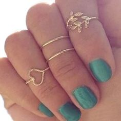 4 Piece Set Gold Plated Midi Ring: This popular 4 Piece Set Gold Plated Midi Ring makes great gifts! #goldplatedmidiring