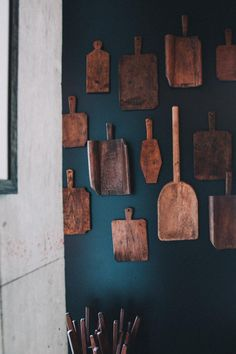 Cutting Boards: The Trendy Accessory We're All Putting on Display — HGTV Diy Cutting Board, Wood Cutting Boards, Grand Designs, Don Pollo, Layout Design, Vintage Home Accessories, Trendy Accessories, Diy Kit, Kitchen Decor