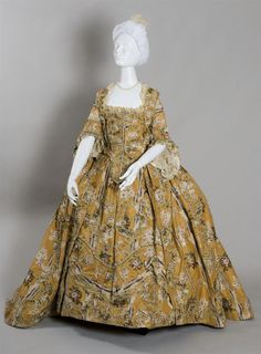 Robe à la française ca. 1765From the Wadsworth Atheneum