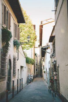 Aida Mollenkamp's One Perfect Day in Florence   Mid-morning Tea at La Via del Te   Salt & Wind   http://saltandwind.com