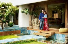 Here are 7 inside pics of Akshay Kumar and Twinkle Khanna's plush Juhu bungalow! - These inside pics of Akshay Kumar and Twinkle Khanna's gorgeous Mumbai abode is bloody ARTSY!