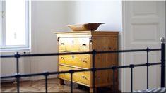 eladó antik komód - Szép házak, luxuslakások 8 Buffet, Cabinet, Storage, Furniture, Home Decor, Clothes Stand, Homemade Home Decor, Buffets, Larger