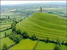 Glastonbury Tor - I have climbed this and seen the extraordinary, beautiful views...I adore it ............ Glastonbury Town, Glastonbury England, Places To Travel, Places To Visit, Ley Lines, Holiday Places, Seven Wonders, Famous Landmarks, Stonehenge