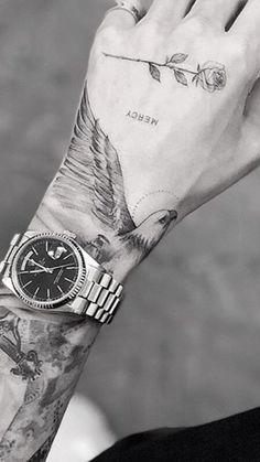Tattoo Trends - This font - Tattoos mein Projekt ! - : Tattoo Trends - This font - Tattoos mein Projekt ! Top Tattoos, Finger Tattoos, Body Art Tattoos, Small Tattoos, Sleeve Tattoos, Maori Tattoos, Tattos, Dragon Tattoos, Sailor Tattoos
