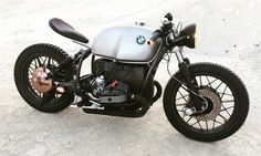 BMW R100 #CafeRacer by The Bike Maker of Switzerland. http://www.bikebound.com/2015/12/24/brat-style-bmw-r100-by-the-bike-maker/