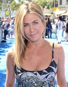 From Jennifer Aniston to Rosie Huntington-Whiteley we take a look at the best A-list beauty looks of the week. Jennifer Aniston Friends, Jeniffer Aniston, Jennifer Aniston Pictures, Jennifer Aniston Photos, Jennifer Aniston Style, Jennifer Connelly, Nancy Dow, Beautiful Celebrities, Beautiful Actresses