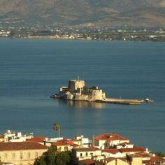 List of private tours to Nafplio, Greece. Travel agency offer custom private car tours to see Nafplio in Greece. Discover Nafplio with private car tour from Monterrasol. Order custom car tour to Nafplio at the date you want. Most Beautiful Cities, Most Romantic, Travel Agency, Day Tours, Seattle Skyline, Greece, Tourism, Castle, Landscape