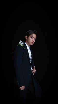 Chanbaek, Baekhyun Wallpaper, Kpop Backgrounds, Exo Lockscreen, Baekhyun Chanyeol, Kpop Exo, Pop Bands, Pretty Men, Actors