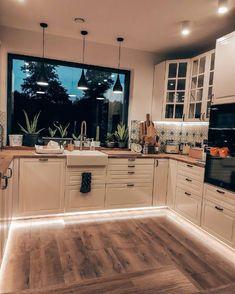 Home Decor Kitchen, Interior Design Kitchen, Home Kitchens, Dream Home Design, Kitchen Remodel, House Plans, Sweet Home, New Homes, House Styles