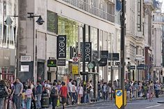 Shopping an der Oxford Street Oxford Street, London, Times Square, Street View, Shopping, World, Viajes
