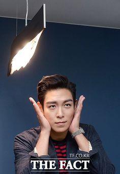 More interview photos of T.O.P for Tazza Hand of God: Unseen movie stills: Top Korean Dramas, Korean Drama Movies, Korean Actors, Vip Bigbang, Daesung, Rapper, Gd And Top, Top Top, Gu Family Books