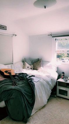You have a nice living room but no room? And if you partition your living room to create this room you dream? How to create two separate spaces in a room without heavy work? Cute Bedroom Ideas, Cute Room Decor, Bedroom Inspo, Bedroom Decor, Master Bedroom, Cozy Bedroom, White Bedroom, White Bedding, Master Suite