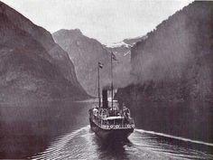 Im Näröfjord bei Gudvangen / View of a Norwegian Coastal Steamer in the Nærøyfjorden near Gudvangen, Norway.