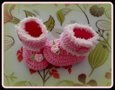 Crochet booties 'Made by Marian'. Model 'Twinkie booties'. I used a pattern of www.tjeempie.com and styled in my own way.