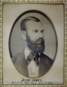 JESSE JAMES Killed by Bob Ford, April Photo of this original picture hanging in Jesse's St. Us History, Family History, American Civil War, American History, Jesse James Outlaw, Jessy James, Wild West Outlaws, Famous Outlaws, Old West Photos