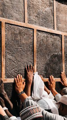 Islamic Wallpaper Iphone, Mecca Wallpaper, Allah Wallpaper, Islamic Quotes Wallpaper, Muslim Images, Islamic Images, Islamic Pictures, Islamic Art, Mecca Madinah