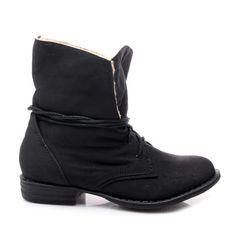 ZATEPLENÉ WORKERY Dámské kotníkové boty ve stylu klasických workerů.  Uvnitř zateplené měkkou kožešinou.  Krátké šněrování umožňuje přizpůsobit šířku boty.  Lehce zvednuté špičky nahoru.  Dobře profilovaná vložka se přizpůsobí každému chodidlu.  Podpatek: 2,5cm  Výška boty:17,5-18,5cm (záleží od velikosti)  Obvod horního lemu:32-36cm (záleží od velikosti)  Materiál: nubuk http://www.cosmopolitus.com/ocieplane-workery-a628b-s310p-czarny-p-85389.html?language=cz&pID=85389 #boty