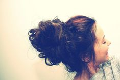 20 Amazing Buns for Bad Hair Days<--- AKA good buns for 8AM classes!