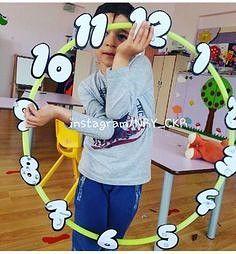 Time with kids game- Çocuklarla saat kaç oyunu Time with kids game - Preschool Math, Kindergarten Math, Classroom Activities, Learning Activities, Kids Learning, Teaching Time, Teaching Math, Math For Kids, Fun Math