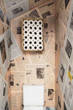 Ein Loft-Parfait in Madrid, Deco Wc Original, Newspaper Wallpaper, Deco Cool, Sweet Home, Turbulence Deco, Toilet Room, Toilet Paper, Toilet Wall, Downstairs Toilet