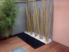 Jardines on pinterest merlin pergolas and bamboo for Bambu seco para decoracion