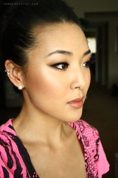 From Head To Toe: How to Apply Blush & Highlighter - topmake_up_pintennium Makeup Tips, Beauty Makeup, Hair Makeup, Hair Beauty, Beauty Tutorials, Beauty Hacks, Beauty Tips, Beauty Products, How To Apply Blush