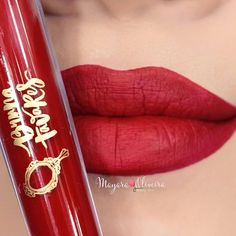 Muito perfeito o #BatomBruna nos lábios lindos da @mayaraoliveiramakeup 💜