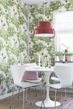 Scandinavian Designers Wallpapers - BoråsTapeter - Kejsarkrona by Arne Jacobsen Scandinavia Design, Arne Jacobsen, Decorative Panels, Swedish Design, Design Studio, Home Wallpaper, Designer Wallpaper, Scandinavian Style, Pattern Wallpaper