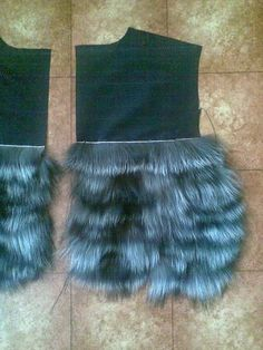 sewing fur strips to fabric Fur Fashion, Fashion Details, Baby Knitting Patterns, Sewing Patterns, Couture, Career In Fashion Designing, Sewing Leather, Faux Fur Vests, Sewing Techniques