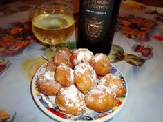 Romanian Food, Romanian Recipes, Jacque Pepin, Good Food, Yummy Food, Pinterest Recipes, Pretzel Bites, Donuts, Deserts