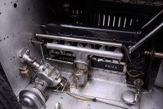 Hispano Suiza T49 Limusina por J. Forcada - Motor lado derecho      MANUEL GONZALEZ