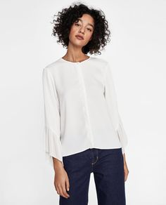 52f5df85bd5d9 Image 2 of CONTRASTING PLEATED BLOUSE from Zara
