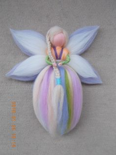Beginner ideas for felting fairies Felt Fairy, Baby Fairy, Wool Dolls, Felt Dolls, Felt Crafts, Diy And Crafts, Felt Angel, Needle Felting Tutorials, Felt Decorations