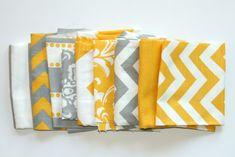 VENTE - tissu Scraps - Premier estampes restes-jaune et gris assortiment - Home Decor tissu